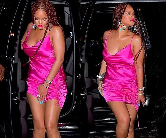 Rihanna attire l'attention en mini-robe rose