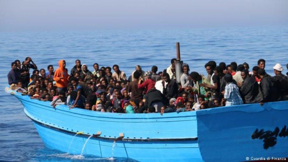 90 migrants clandestins dont 20 femmes enceintes secourus au large de Sfax