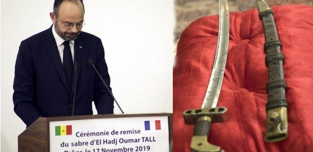 """Édouard Philippe à Dakar : """"J'ai un lien particulier avec les sabres"""""""