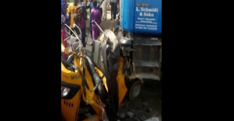 Nigeria 20 personnes écrasées à mort par un camion poursuivi par la police