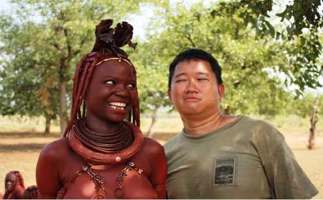 La tribu namibienne où le sexe est offert aux invités et aux étrangers