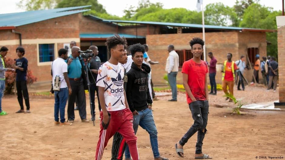 Rwanda un adolescent hébergé dans un centre du HCR accuse un commandant de police d'agression sexuelle