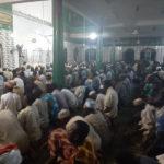 Nigeria 300 musulmans en colère font leurs prières à la mosquée centrale d'Agege malgré les mesures prises par le gouvernement contre le Coronavirus(photos)