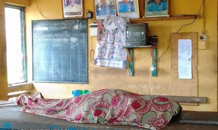 Nigeria: Une femme enceinte en travail meurt après avoir été retardée par des policiers parce qu'elle ne portait pas de masque facial dans l'État d'Ogun.