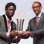 Hallowed Olaoluwa est le plus jeune étudiant à obtenir un doctorat en Mathématiques en Afrique