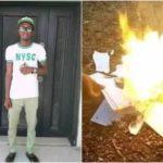 Nigeria - Un diplômé frustré brûle ses certificats et diplômes en raison de son incapacité à trouver un emploi (photos)
