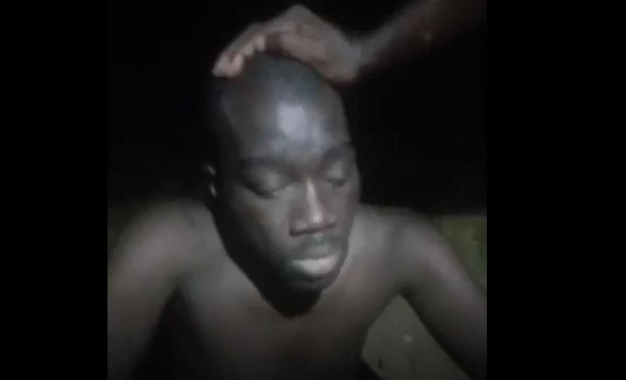 Tunisie - [Immigration] Un pasteur ivoirien à la fois passeur clandestin tabassé en direct sur Facebook.
