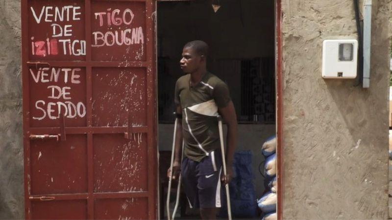 Le témoignage d'un migrant amputé d'une jambe en Libye (vidéo)