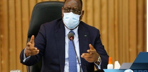 Sénégal - Macky dissout le gouvernement et met fin aux fonctions des conseillers et secrétaires…