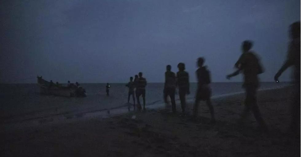 Des passeurs éjectent des migrants d'un bateau au large de Djibouti: au moins huit morts