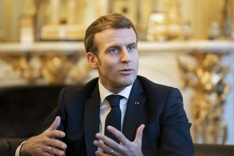 le Président de la République française Emmanuel Macron a répondu aux questions de Benjamin Roger et de Marwane Ben Yahmed pour Jeune Afrique.