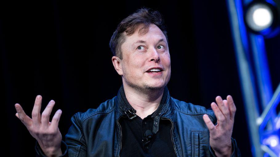 Elon Musk, Le patron de Tesla, devient le deuxième homme le plus riche au monde, derrière Jeff Bezos de la firme Amazon