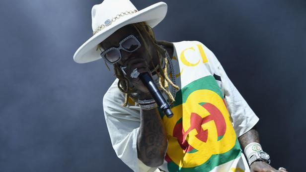 Lil Wayne a reconnu qu'un pistolet retrouvé dans ses affaires lui appartenait bien. La sentence pourrait être particulièrement grave.