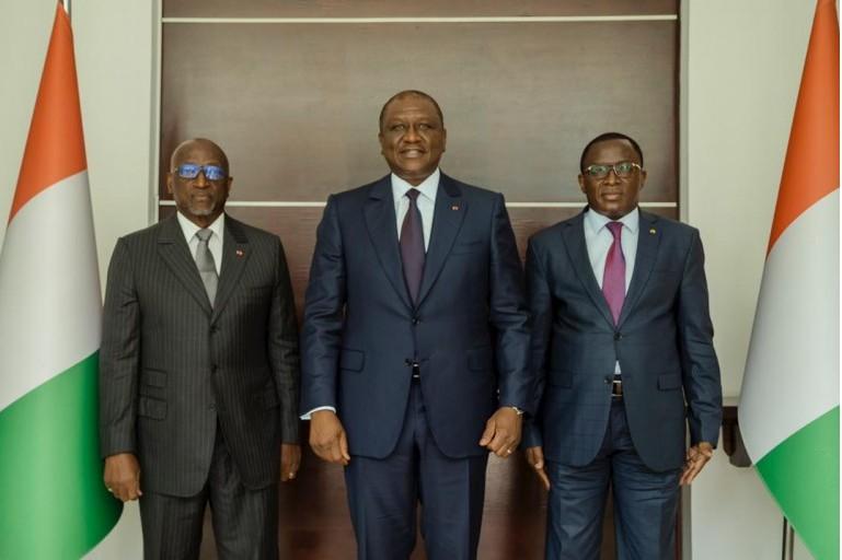 Jacques Bernard Daniel Anouma ne sera pas seul dans la conquête du fauteuil du Président de la (CAF). Il a le Gouvernement ivoirien.