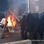 France - Manifestation contre la loi sécurité globale : les policiers dépassés par les évènements. (vidéos photos)