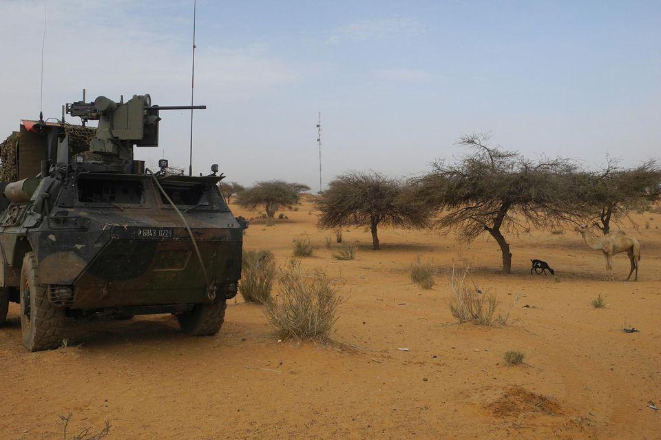 Six militaires français blessés au Mali par un véhicule-suicide piégé