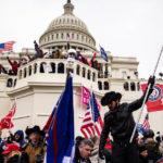 Insurrection: un policier du Capitole meurt après avoir été frappé à la tête avec un extincteur lors des émeutes à Washington