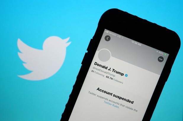 Les fans inconditionnels de Donald Trump abandonnent en masse Twitter après sa suspension de la plateforme