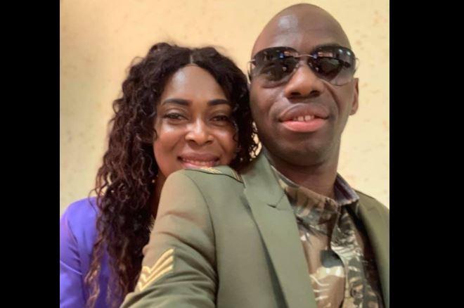 Attristé par l'absence de sa femme, Camille Makosso pleure en direct (vidéo)
