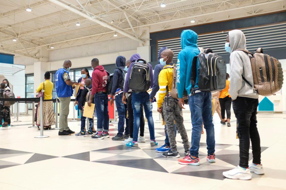 Des ivoiriens mineurs victimes de la traite des humains sauvés au Ghana retournent en Côte d'Ivoire
