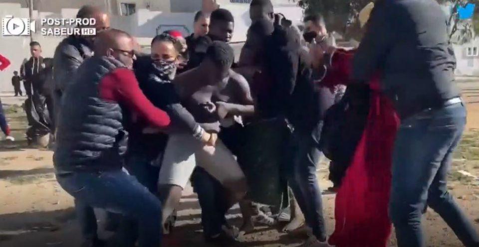 """Tunisie - Raid à Sfax: Arrestation de plus de 80 migrants majoritairement subsahariens pour trafic de """"stupéfiants et migration"""" (vidéo)"""
