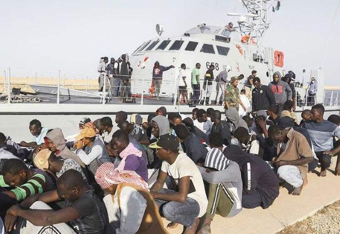 L'armée libyenne libère 120 migrants détenus et torturés par des trafiquants