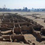 """Egypte: Découverte d'une mystérieuse """"cité d'or"""" vieille de 3.000 ans"""