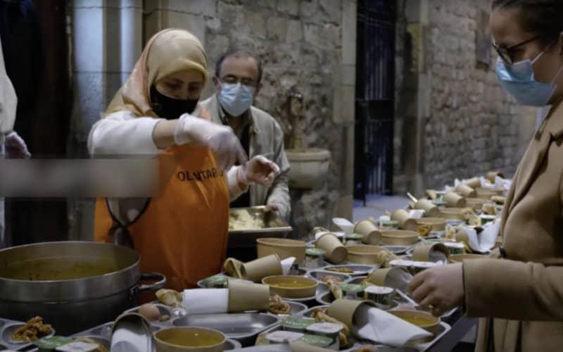 À Barcelone, des musulmans rompent le jeûne dans une église